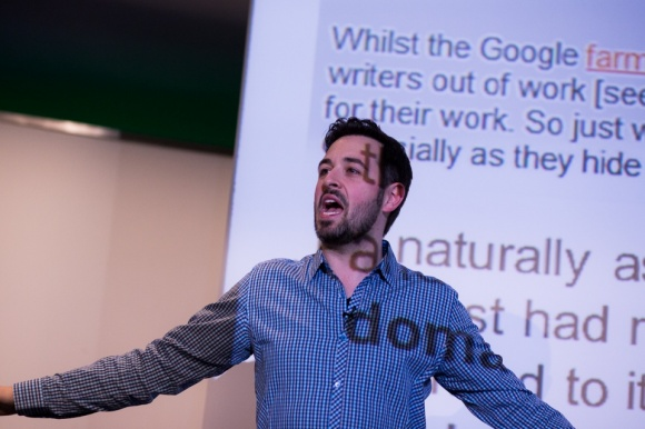 05 seo leader rand fishkin warns us about article networks